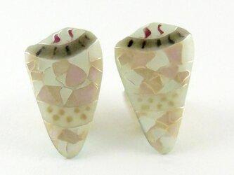Shell Pierced Earrigs イモガイ モザイクの画像