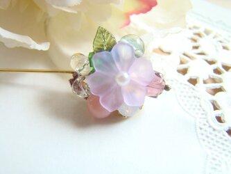 薄紫色の花のピンの画像