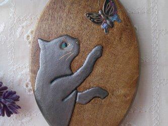 蒔絵手鏡 銀色の猫と蝶の画像