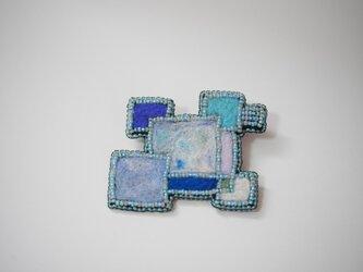 氷のキラメキ ブローチの画像