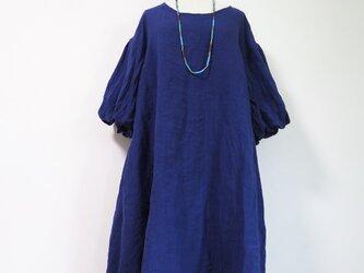 ボリューム袖のリネンワンピースの画像