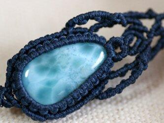 ラリマーのマクラメ編み 天然石ネックレスの画像