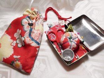 和のお裁縫箱*レトロ赤花 角形の画像