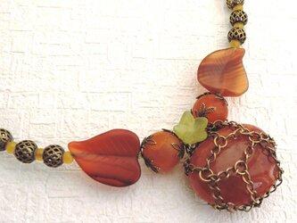 手作りのネックレスの画像
