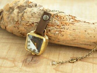 首からさげる時計 SQ white brown YN005の画像