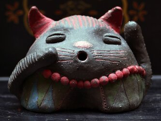 彩門縄文様黒御影猫土偶「赤」#Vの画像