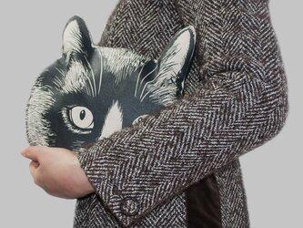 猫の頭のクラッチバッグの画像