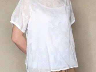 discount7000 ⇒5500円 花柄リップル コットンローン トップスの画像