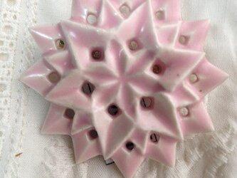 ブローチ六角星 桜 Mの画像