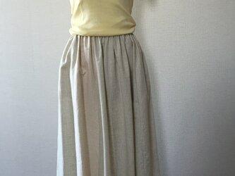 別布切替がある12枚ハギのスカートの画像