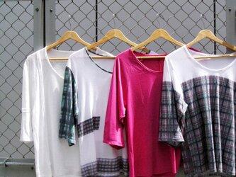 Le troisième t-shirtの画像