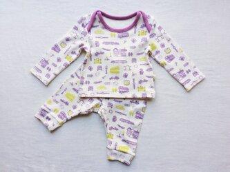 紫色の車柄のベビーTシャツ&スパッツ (60cm)の画像