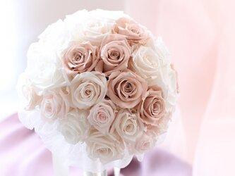5点セット! ヌーディーピンクのバラのウェディングブーケの画像