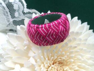 指ぬき~濃いピンク青海波~の画像