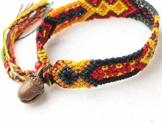 マヤ末裔が作るミサンガを脱着可能に。小 骨董鈴  15cmの画像