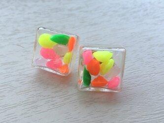 キャンディポップキューブピアスの画像