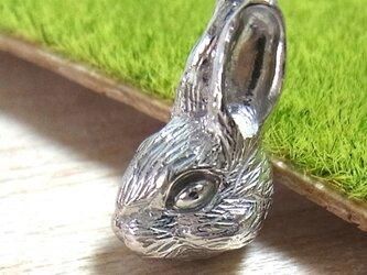 【受注生産】ウサギのペンダントトップ(SV925 ロジウムメッキ)の画像