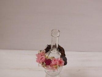 フレグランスボトルリース(まりバラ、ピンク&ワインレッド)の画像
