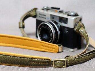 カメラストラップ オリーブの画像