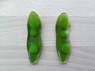 豆が顔をだした枝豆のお箸置きの画像