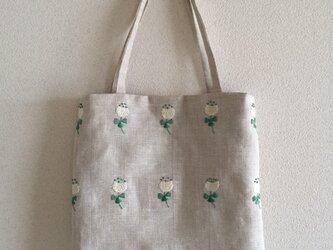おさんぽバッグ シロツメグサの画像