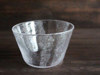 小さな泡の鉢 の画像