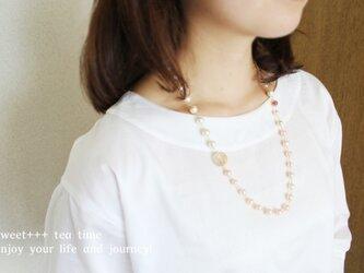 fairy★春色真珠とドイツビーズのミドルネックレスの画像