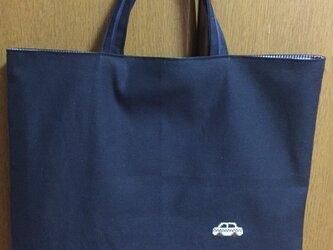 クロスステッチ刺繍*車★紺色レッスンバッグの画像