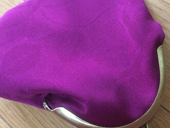 がまぐち・中 赤紫の薔薇の画像