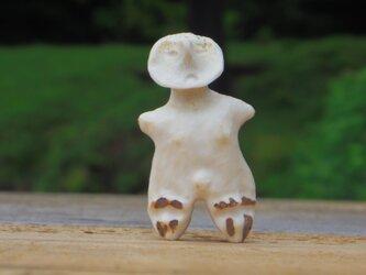 【角偶】I/鹿角から削り出した人形(ひとがた)/お守りの画像