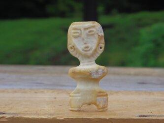 【角偶】L/鹿角から削り出した人形(ひとがた)/お守りの画像