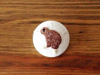 刺繍ボタンブローチ 「キーウィ」の画像