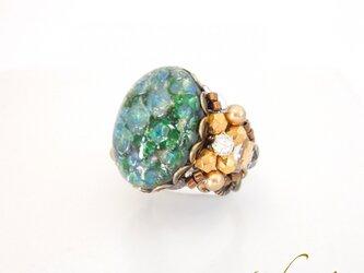 グリーンガラスのアンティーク調 指輪の画像