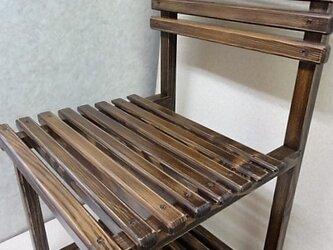 古びた感じの椅子の画像