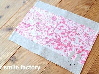 うさぎランチョンマットピンク花柄※送料無料の画像