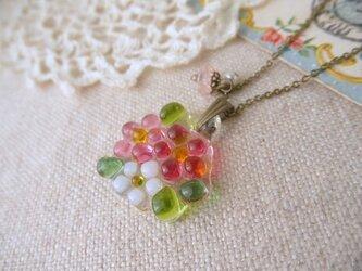 (受注制作)ガラスのピンクのお花&ローズクオーツ・淡水パールネックレスの画像