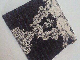 ゴシック柄バネ口ポーチの画像