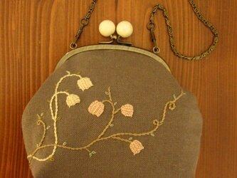 手刺繍・がまぐちハンドバッグの画像