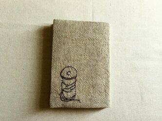 ブックカバー 糸とピンチの画像