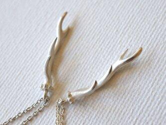 M・右角・鹿の角のネックレスの画像