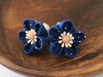 *Petit*青い小花のピアス(イヤリング)【つまみ細工】の画像