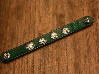 全7色 本革 コンチョ ブレスレット リストバンド グリーンの画像