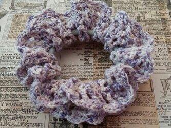 94*小さめかわいい 手編みのシュシュ ゴム入れ換え可能の画像
