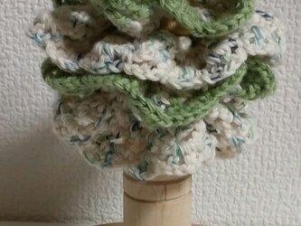 103*小さめかわいい 手編みのシュシュ ゴム入れ換え可能の画像