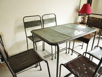 メタルパイプのテーブルセット(メタルチェア6脚付き)の画像