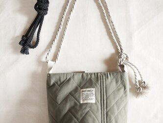 quilting patchwork bucketbag (khaki)の画像