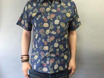 半袖柄シャツ(パイナップル柄)の画像
