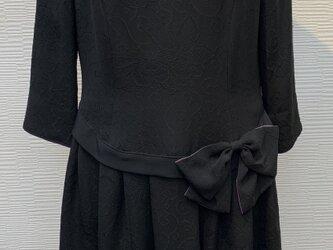 ローウェスト切替リボンワンピース (黒無地)(着物リメイク)【綸子】の画像