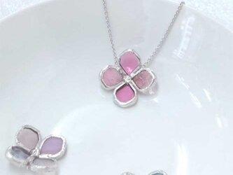 ステンドグラス製ネックレス【アジサイの花一輪】ピンクの画像