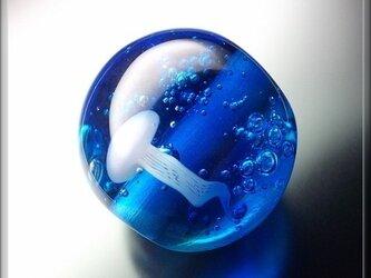 とんぼ玉 「 海月 」の画像